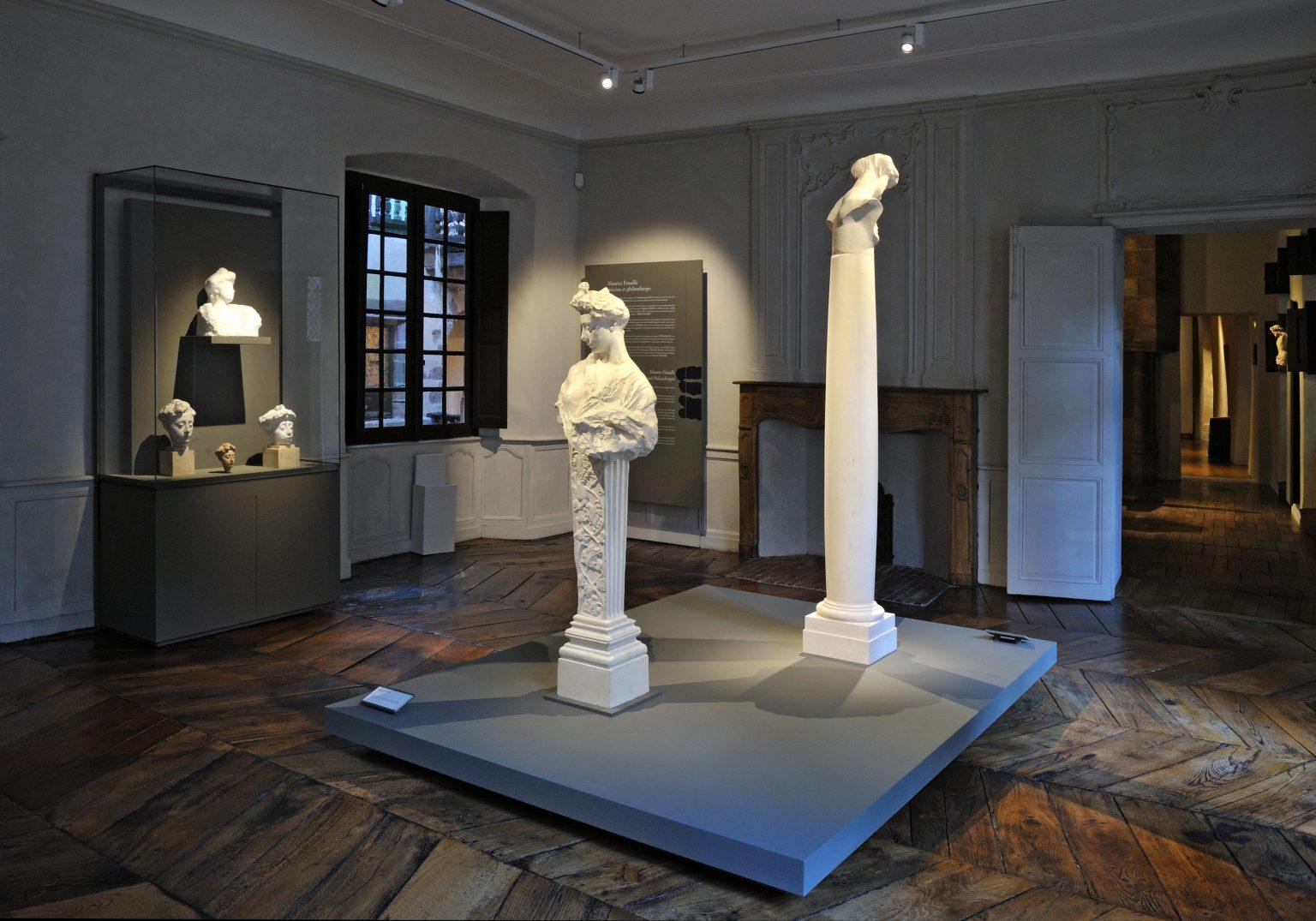 Vue des bustes de Rodin au musée Fenaille