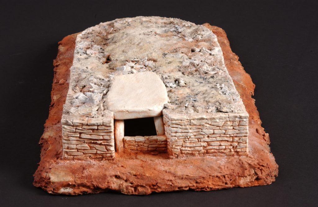 Essai de reconstitution du dolmen de Peyrelebade I à Salles-la-Source - maquette réalisée par Daniel Coulet et les maquettes Tanière