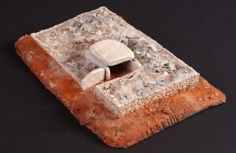 Essai de reconstitution d'un dolmen de fin du Néolithique
